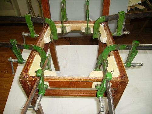 come restaurare una sedia e incollare i rinforzi con i morsertti-artedelrestauro.it