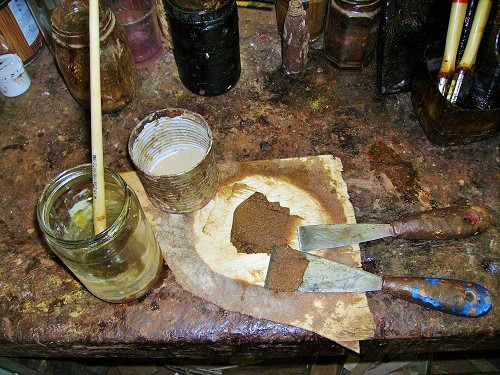 Colla animale e polvere di legno