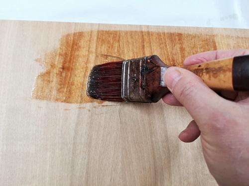 come usare l'olio di lino cotto a pennello