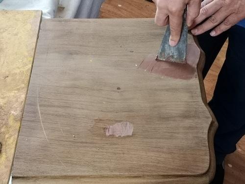 La tuccatura con lo stucco di gesso