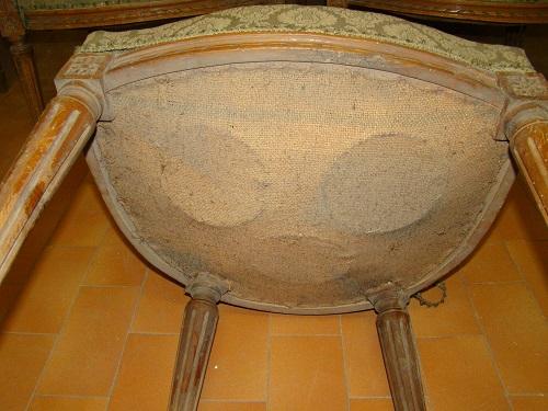 particolare sedia con molle