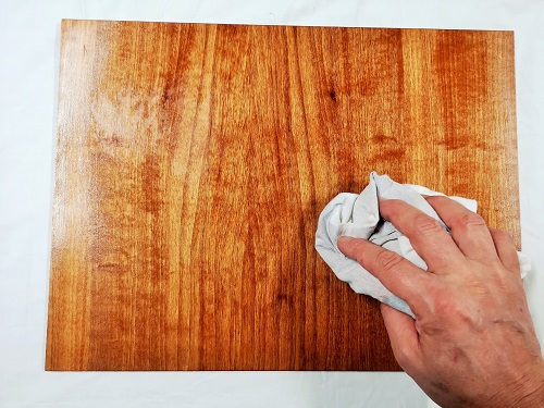 come finire il legno con l'olio di lino cotto