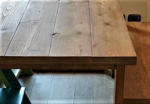 Particolarte superficie legno Retrofficina Milano