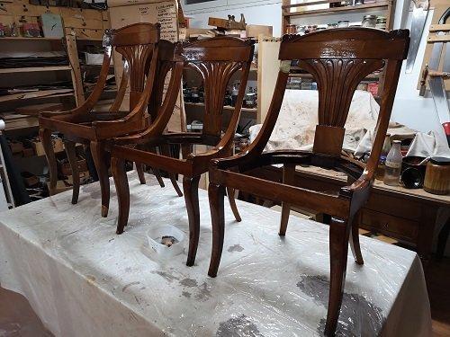 Come restaurare le sedie Impero. L'antitarlo.