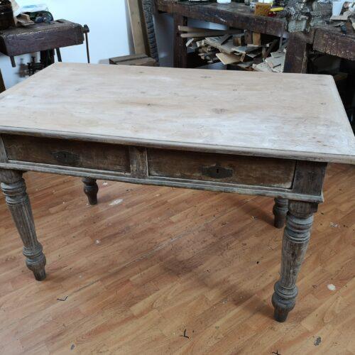 Come rinnovare un vecchio tavolo.